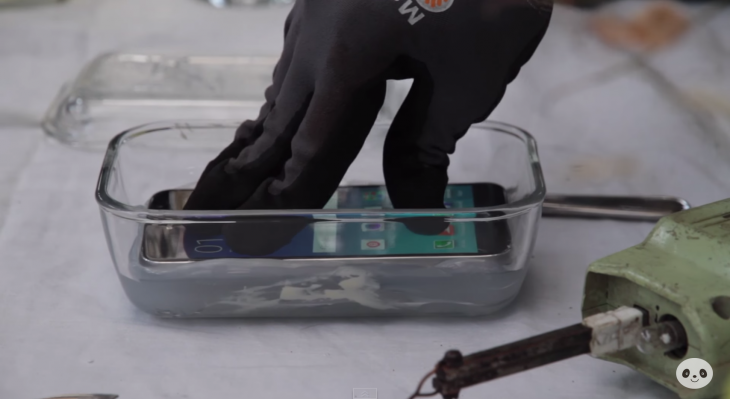 DIY waterproof your Samsung Galaxy S6 by encasing it in silicone because why not