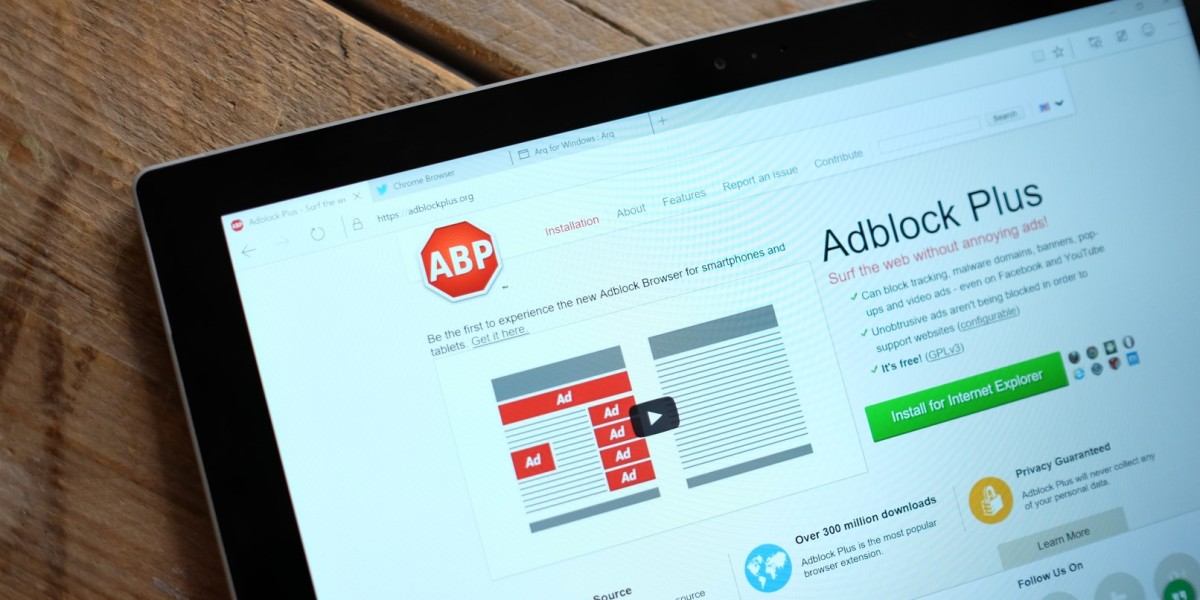 Adblock Plus now blocks social...