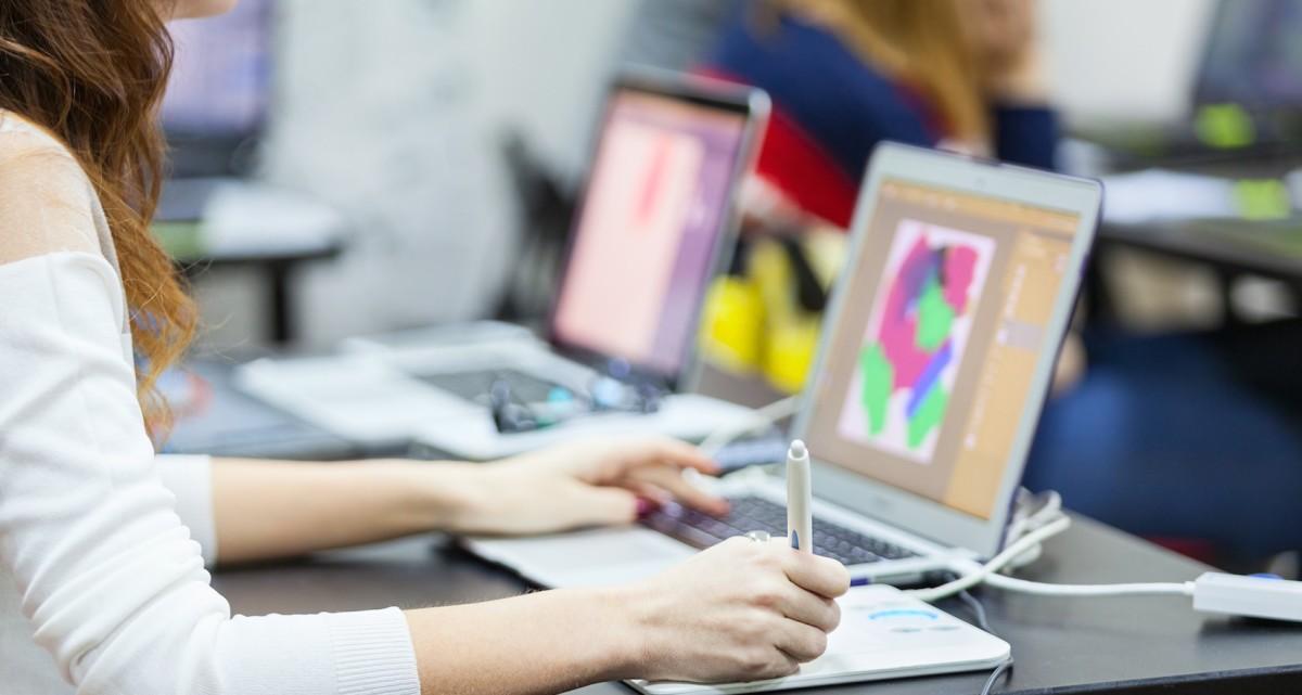 New Web trends: immersive interaction design