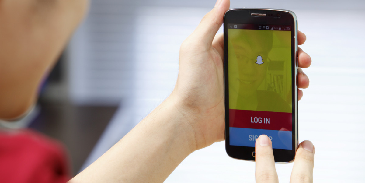 Snapchat may soon let you view videos without holding your finger on the screen