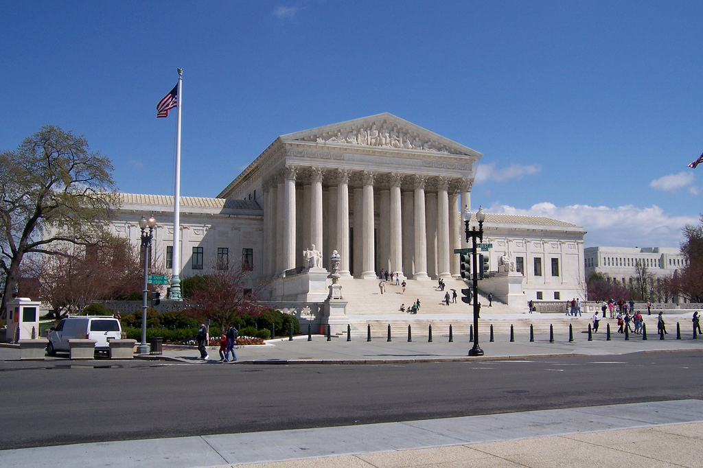 Supreme Court rules online threats are legal unless there is clear intent to harm
