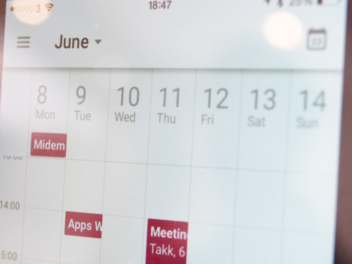 Google Calendar for iOS gets weekly overview, Drive attachments for events