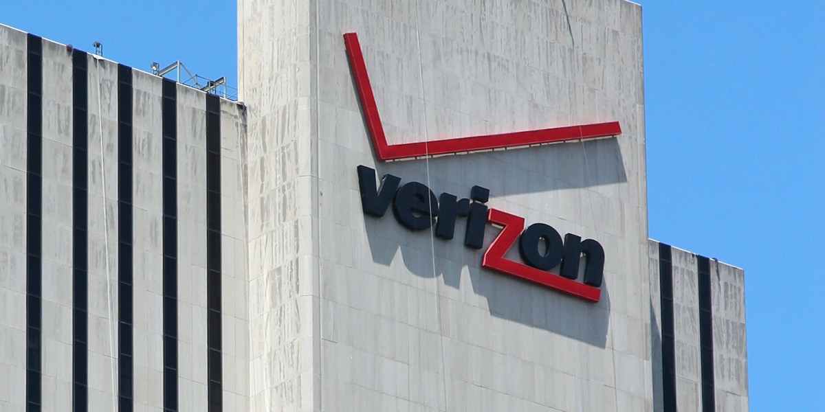 Verizon officially completes its AOL acquisition