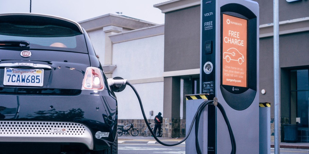 Dutch Bank Predicts Europeans Will Buy Only Electric Cars By