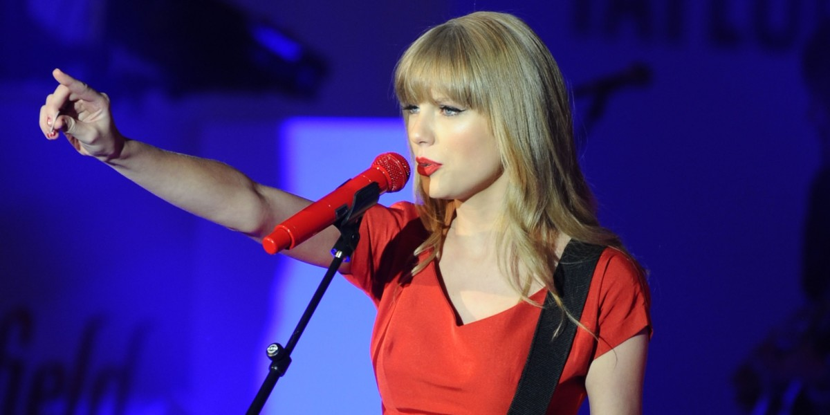 Taylor Swift hits out at Apple Music in a short, powerful blog post