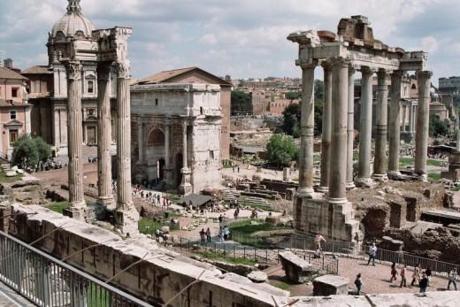 1024px-Forum_Romanum_April_05-800x534