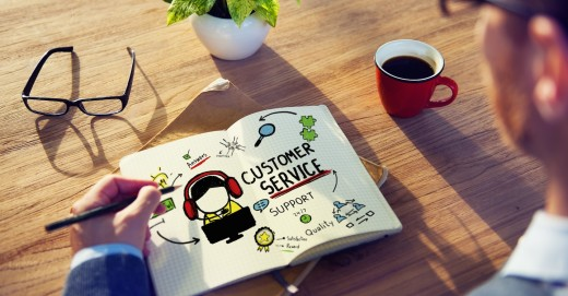 how much do customer service managers make