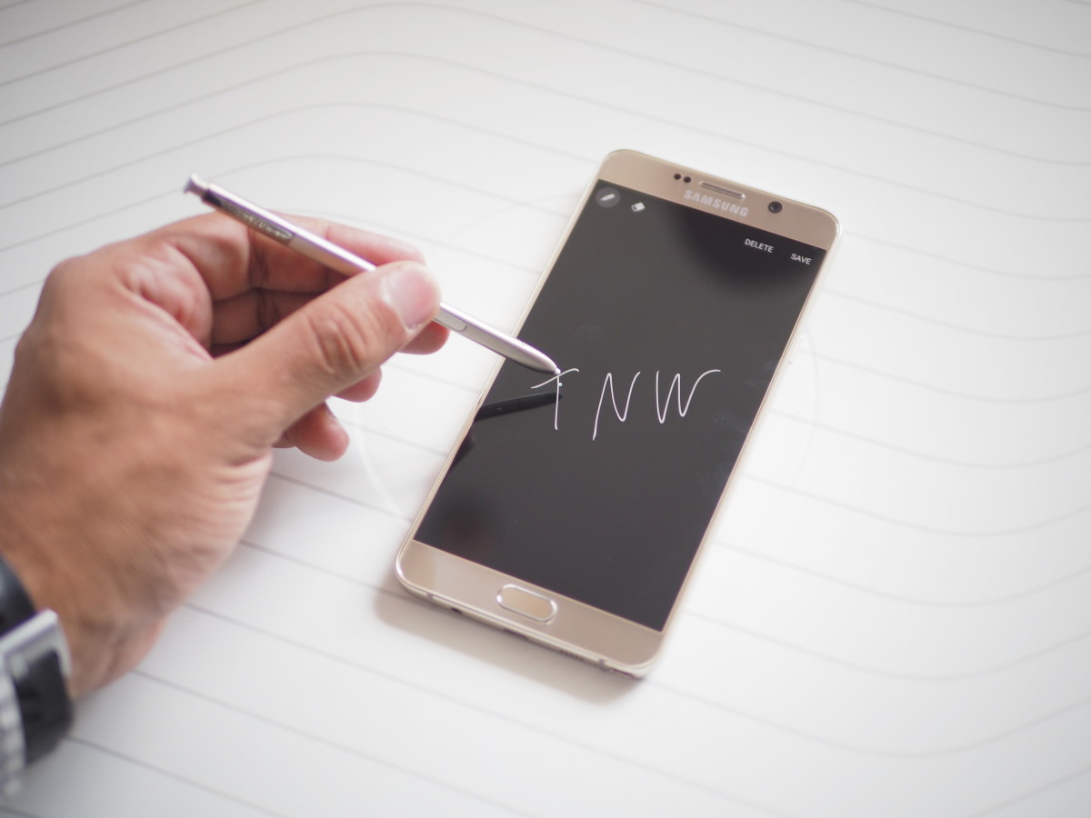 Hands-on with the Galaxy Note 5: the original phablet slims down