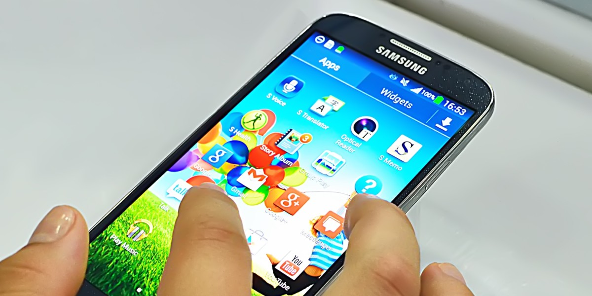 Win 1 year Unlimited Talk, Text, 500MB of data and a free Samsung Galaxy S4 with FreedomPop