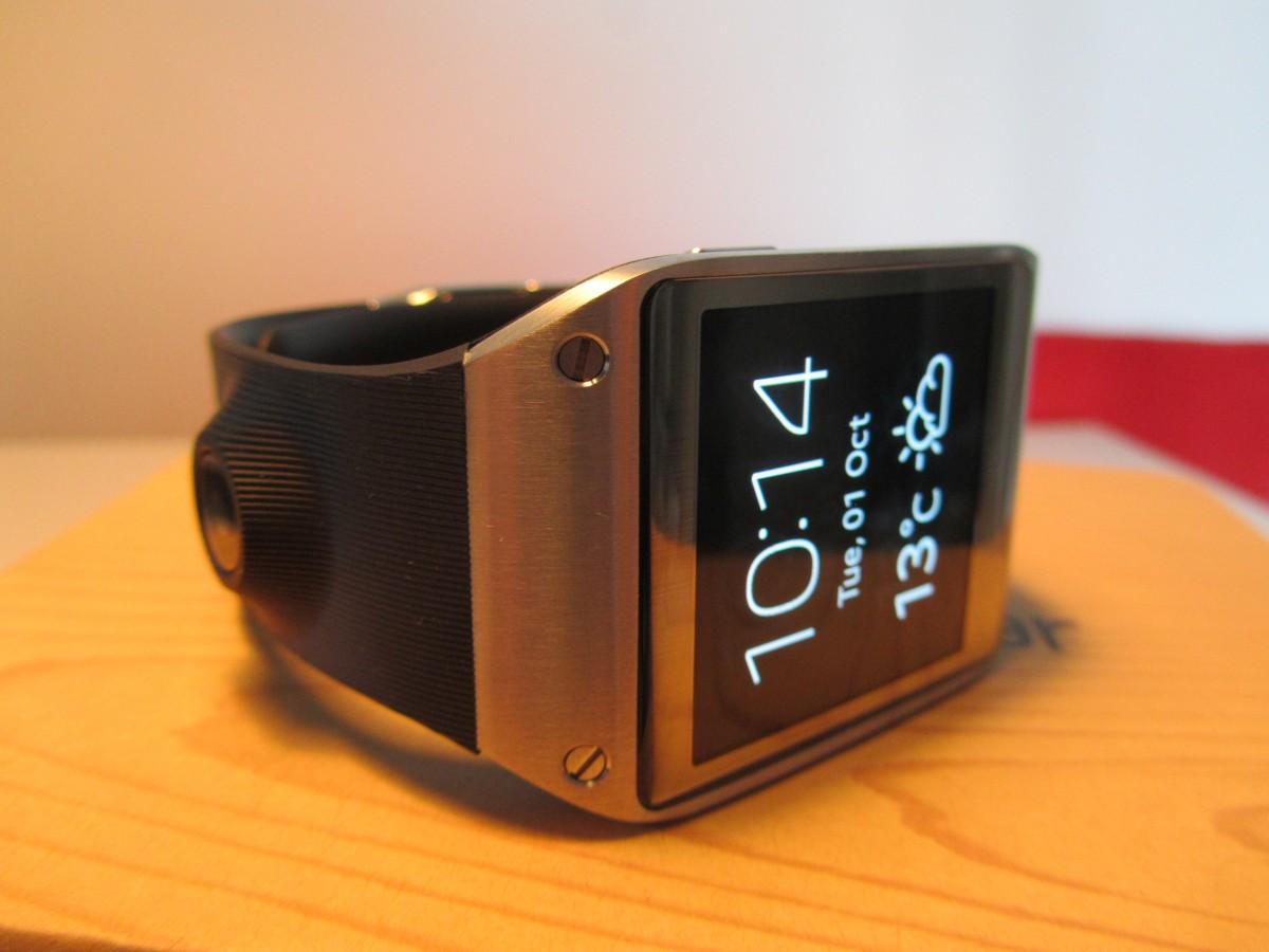 The original Gear's watch strap camera