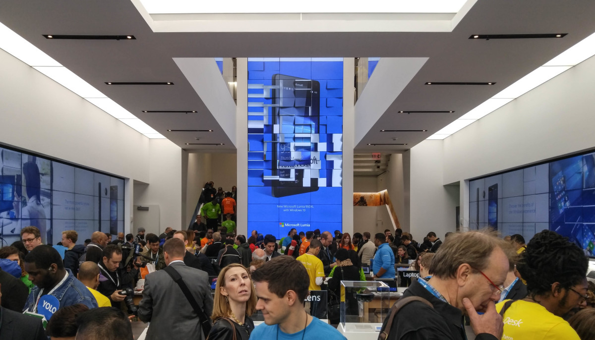 Microsoft's new flagship NYC store is 5 blocks away from Apple's – here's how ...