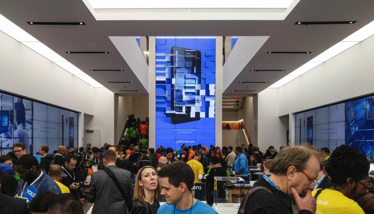Microsoft Store Grand Opening Apple Store NYC New York