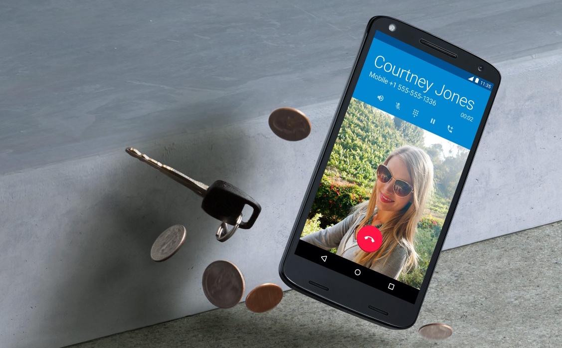 Motorola's latest phone is 'shatterproof' and guarantees it won't crack