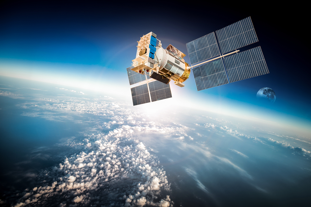 Facebook will provide internet in Africa from space starting in 2016