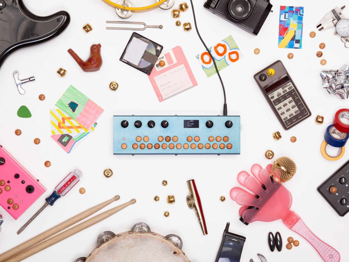This tiny synthesizer is a coder's dream