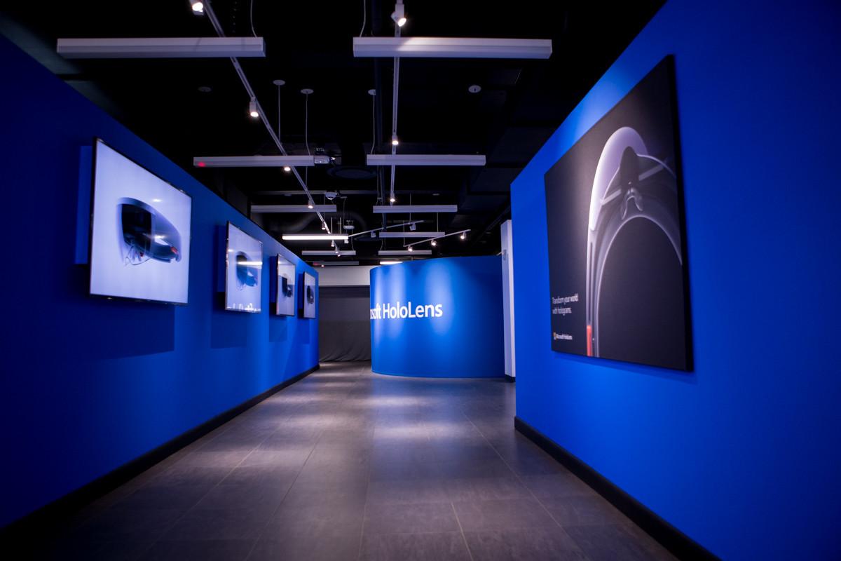 1 - Microsoft HoloLens Showcase for Developers