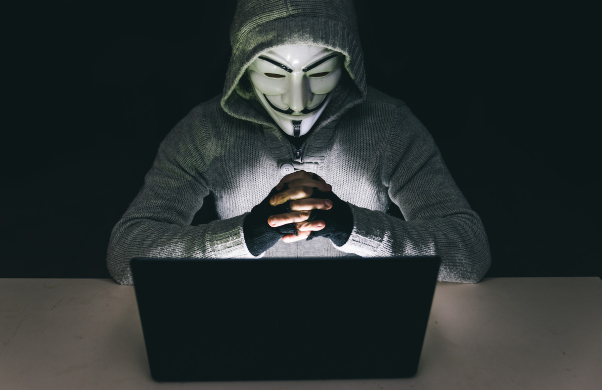 Anonymous asks the Web for help in its faltering fight with ISIS