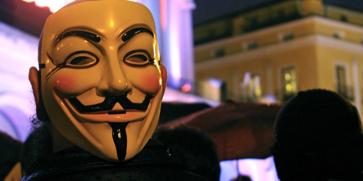 Anonymous takes over neo-nazi site The Daily Stormer [Update: could be a hoax]