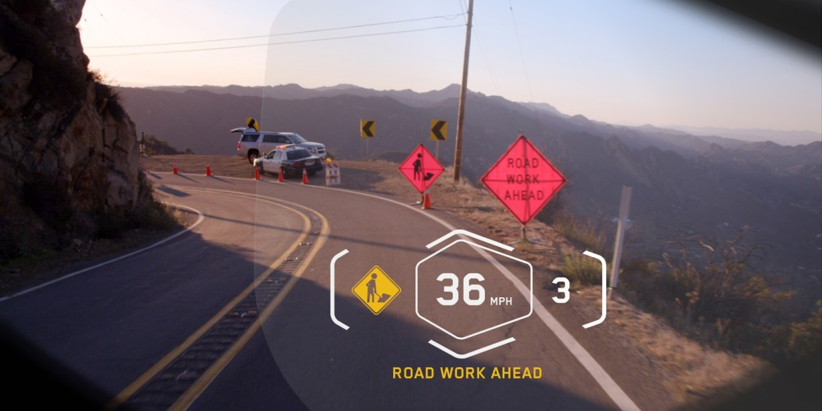 BMW's heads-up display for helmets could make riding a motorbike safer