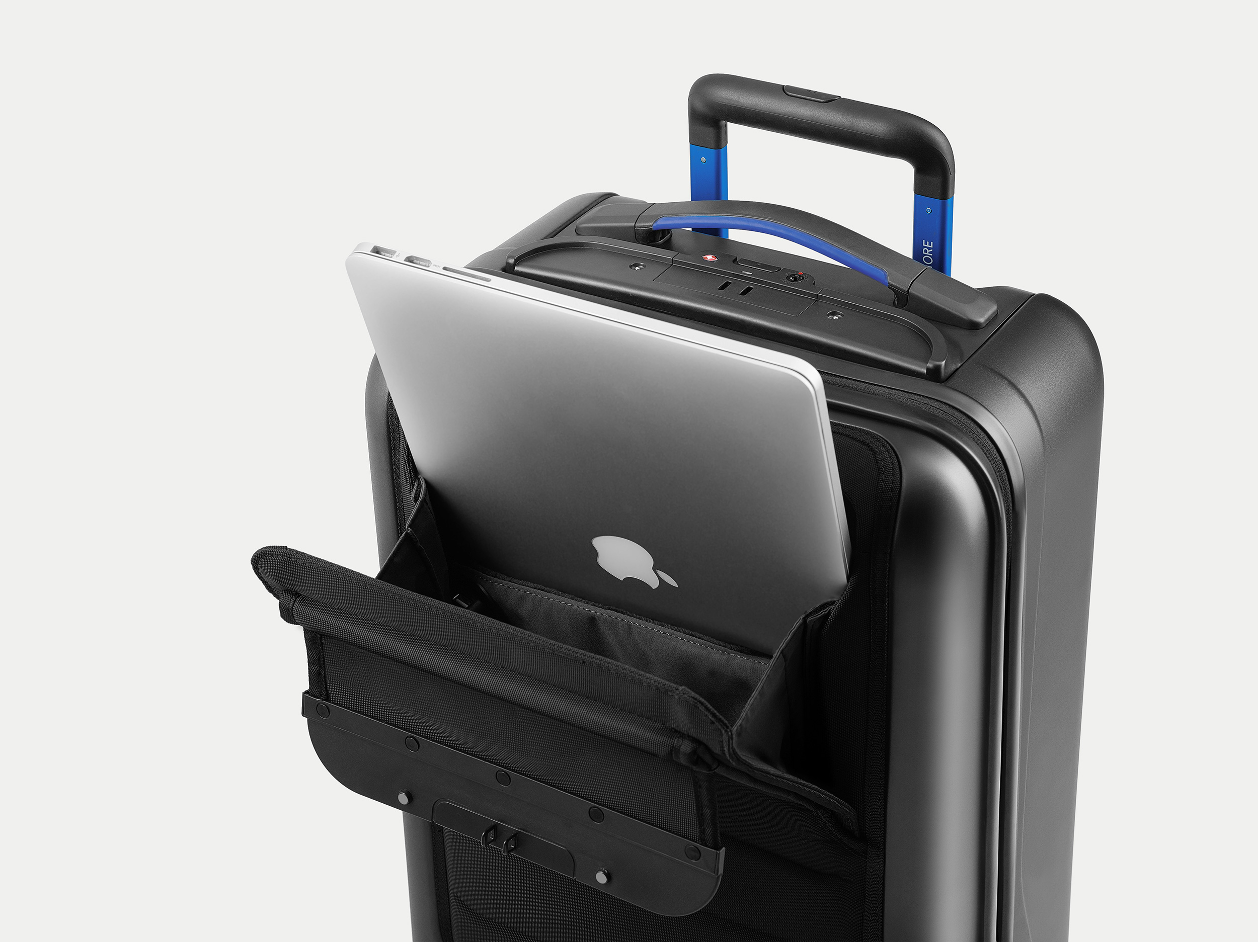 Photos and features of the Away suitcase with phone charger forecasting