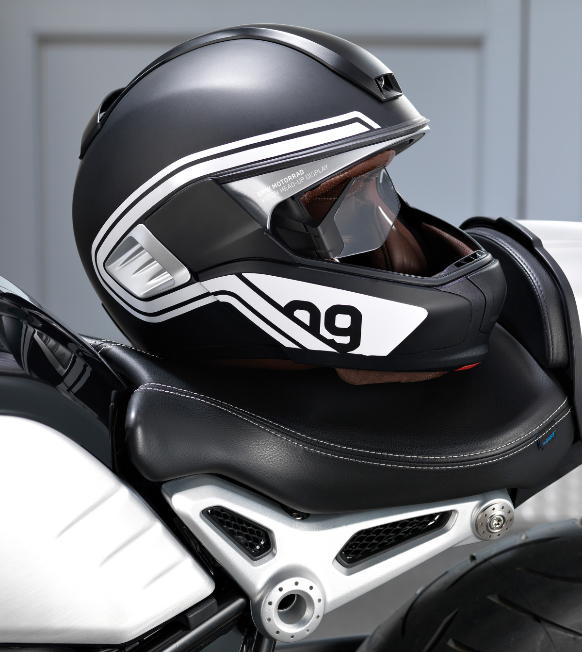 BMW's heads-up display for helmets could make riding safer