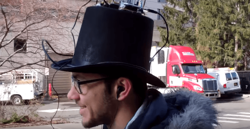 This GPS-enabled top hat is the eccentric way to navigate