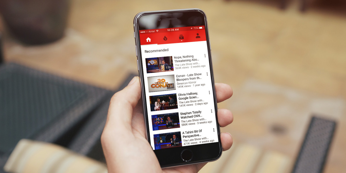 YouTube is slowly rolling out an in-app messenger so you can discuss cat videos at length