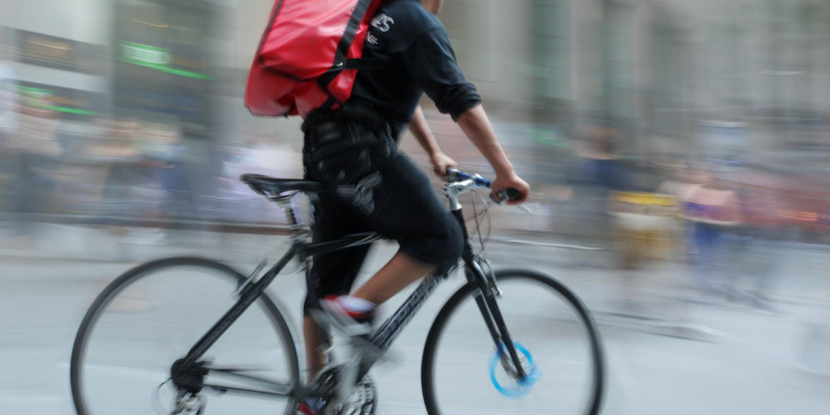 Amazon India saves time and money with bicycle couriers for nearby deliveries