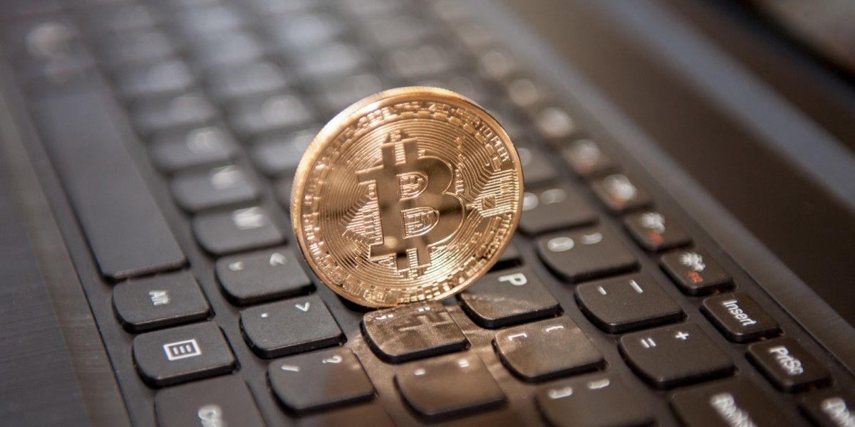 Thieves use Facebook tricks to steal your money and turn it into Bitcoin