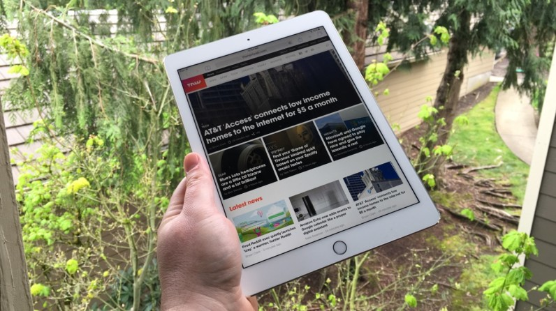 Review: Apple's iPad Pro 9.7-inch is the best tablet around, but won't replace your laptop ...