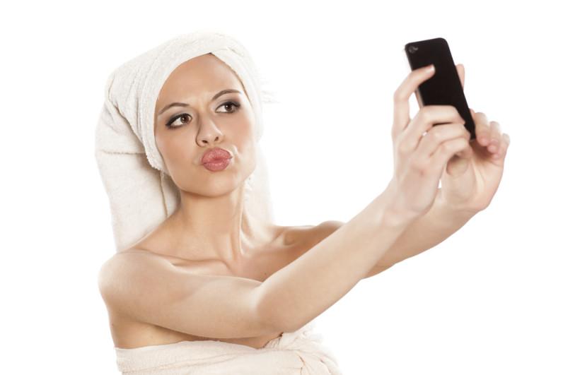 Selfie craze caused surge in lip surgeries in 2015