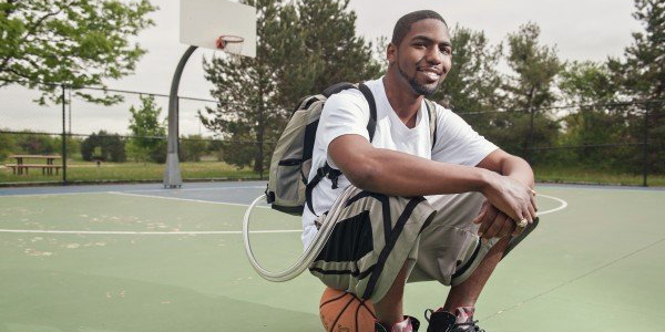 This 25-year-old lived more than a year carrying an artificial heart in a backpack