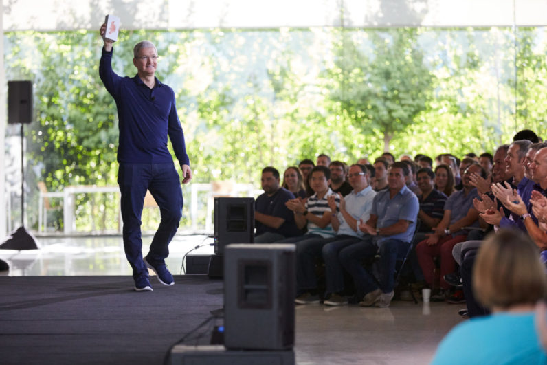 Apple has officially sold 1 billion iPhones