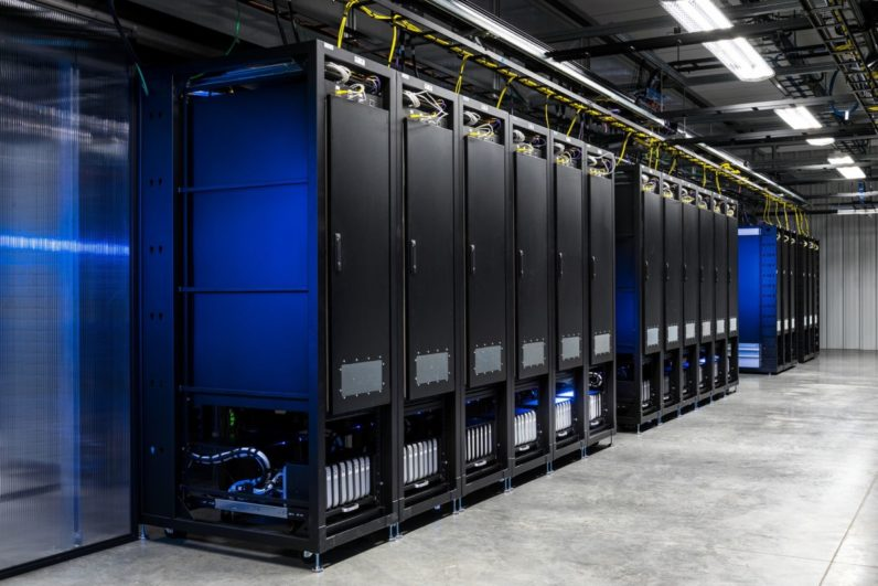 This Facebook datacenter lab makes sure it runs perfectly on every device, every time