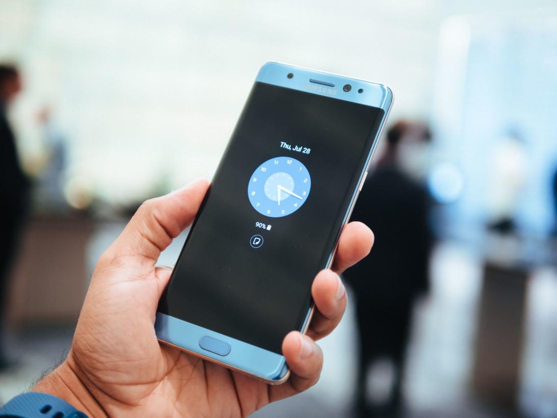 Motorola calls Samsung a copycat, gets shut down by Nokia fans