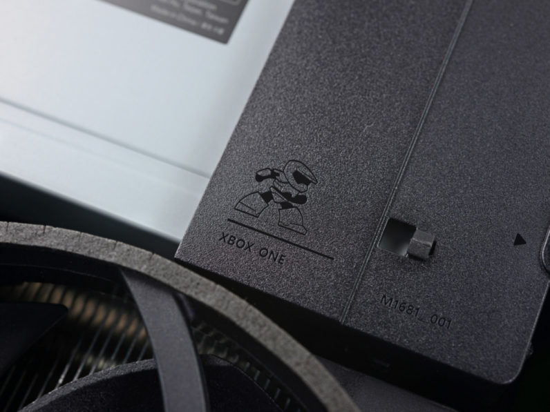 Xbox One S teardown reveals tiny Master Chief hidden inside
