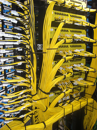 Oddly Satisfying Images Of Cable Management Make Me Happy
