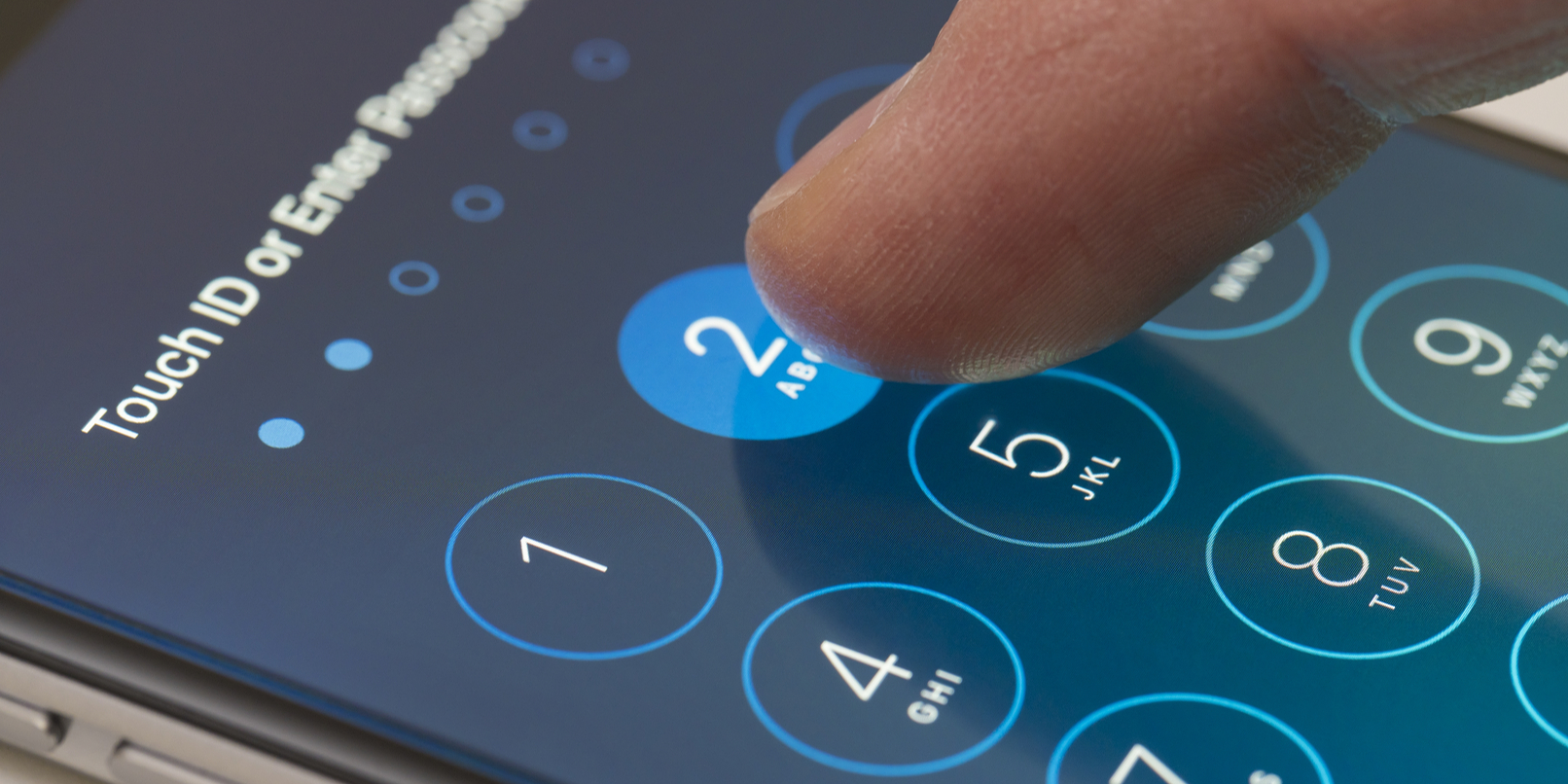 iPhone lock screen hack puts your private messages and nude pics at risk