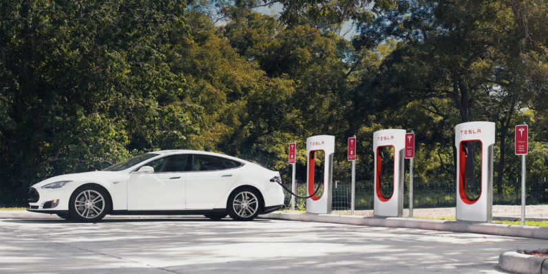 Tesla will begin billing new owners for Supercharging starting this weekend