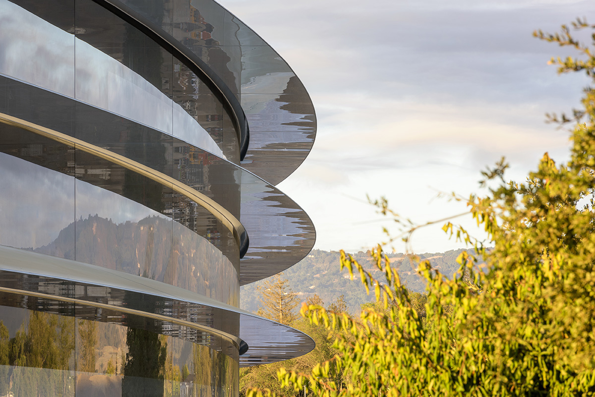 The side of the 2.8 million square-foot main building at Apple Park