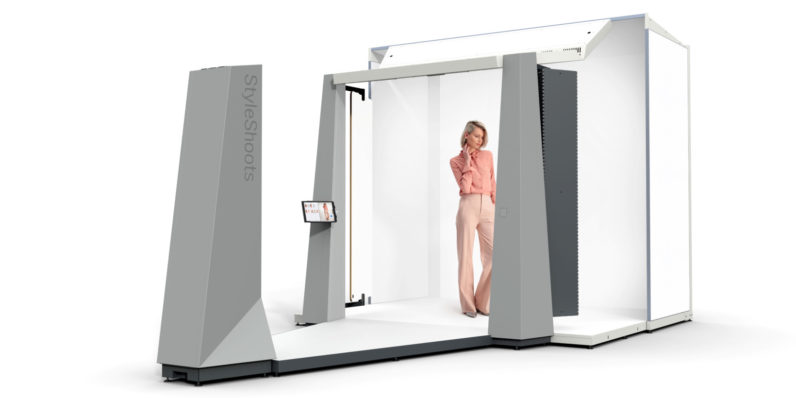 This robotic camera system can replace an entire fashion photography studio