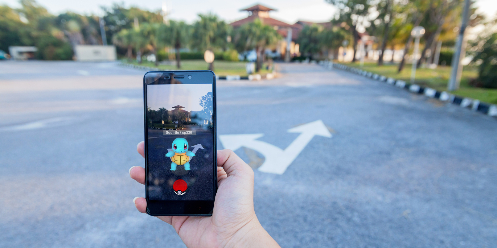Pokemon Go is soon getting monster trading and real-time player battles