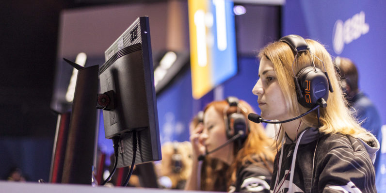Study: Female streamers less likely to be paid than men
