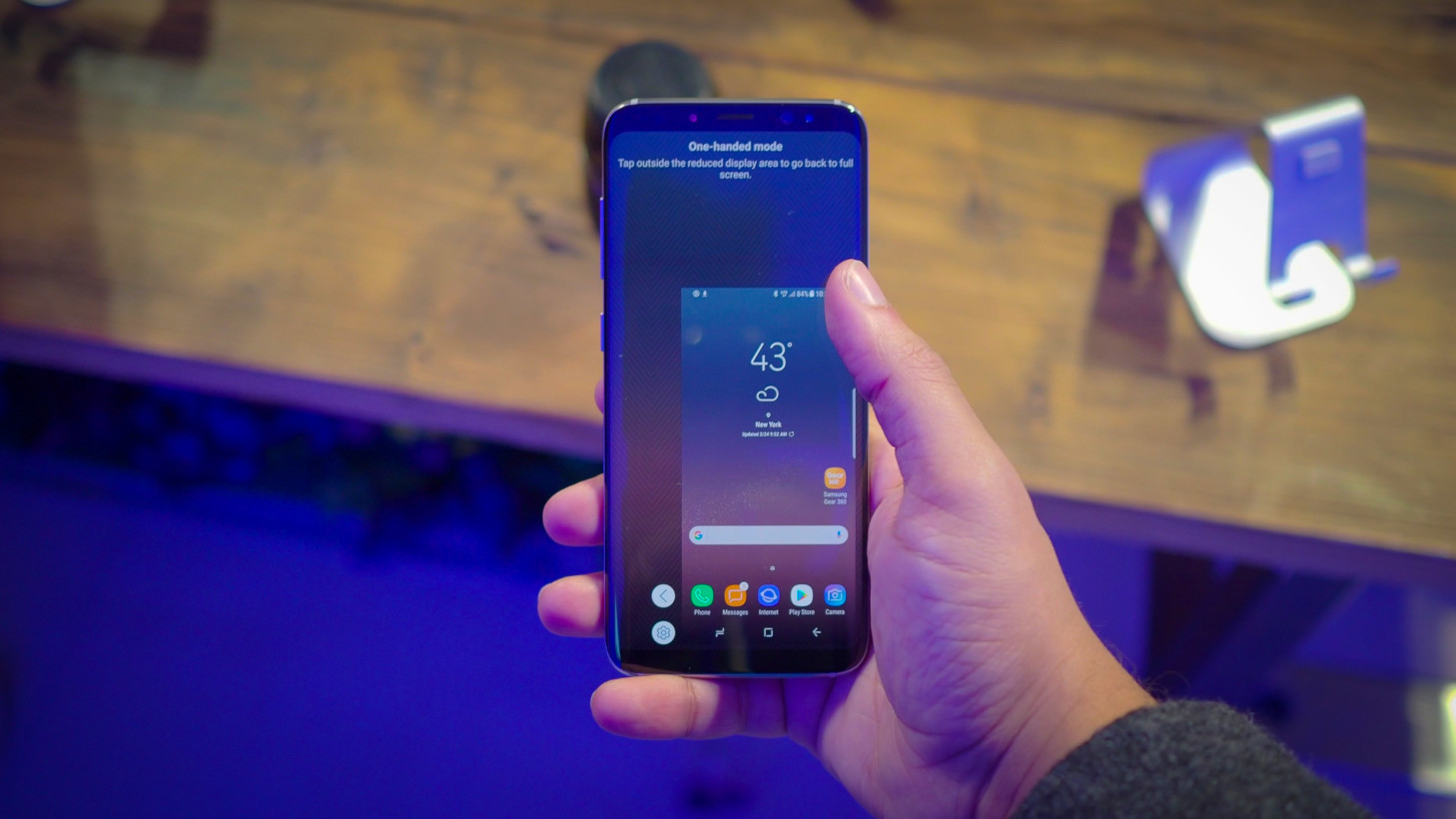 Every smartphone should include a one-handed mode