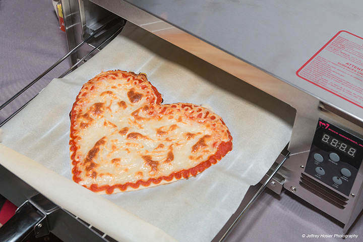 BeeHex robot can 3D-print (and cook) a pizza in just 6 minutes