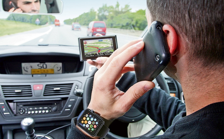 5 Ways To Avoid Technological Distractions While Driving