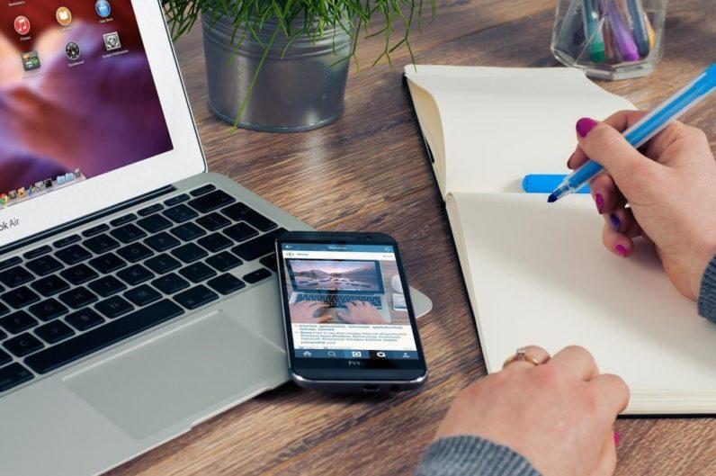 How smart entrepreneurs like Anik Singal use social media