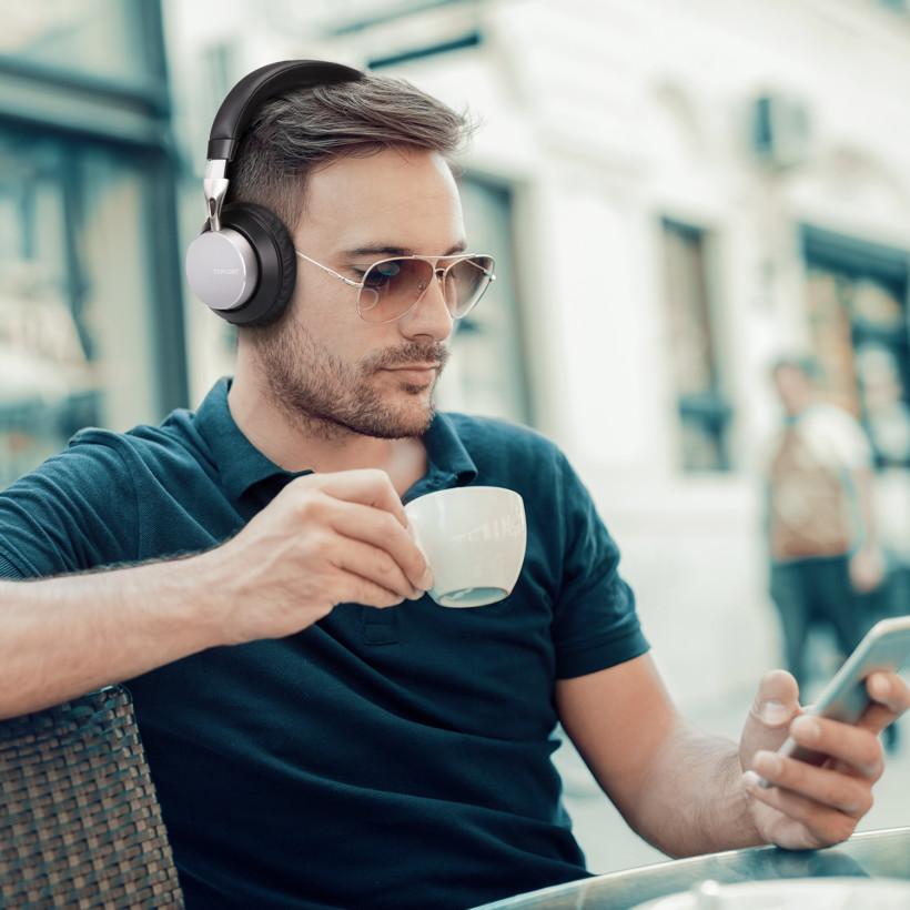 5 things to consider before buying your next pair of wireless headphones