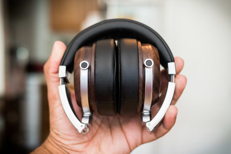 Review: Even's H2 wireless headphones are like glasses for your ears