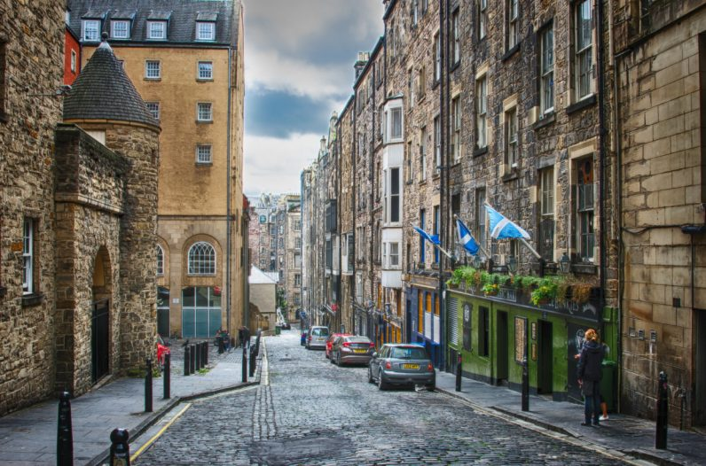 Coders are moving to Edinburgh because it's a nice place to live (and not London)